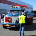 Lars-Erik Volvo Titan -61 får en redogörelse av speaken om sin bil.